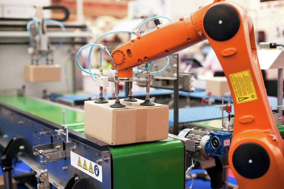 Nearly half of the workforce in the United States could be replaced by automated machines in the near future. A report by Oxford University shows which workers should be worried. / iStockphoto