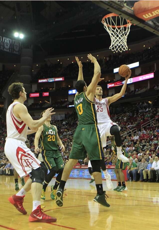 Rockets forward Chandler Parsons puts up a basket. Photo: Johnny Hanson, Houston Chronicle