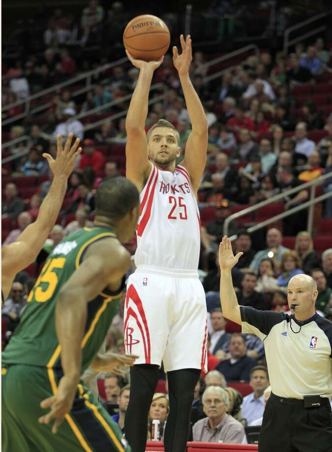 Rockets forward Chandler Parsons puts up a three-pointer. Photo: Johnny Hanson, Houston Chronicle