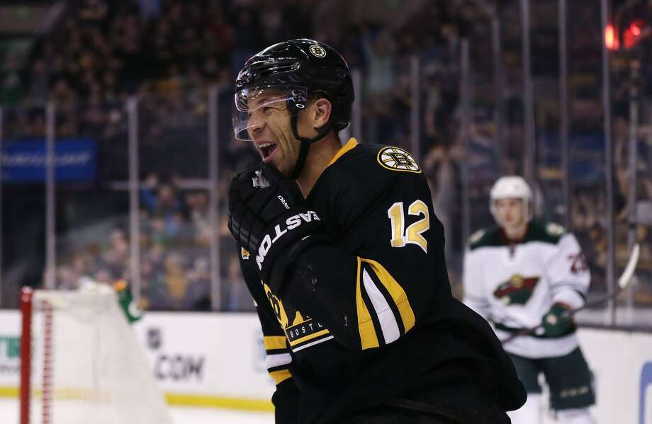 Boston's Jarome Iginla was pleased after his second-period goal gave the Bruins a 1-0 lead. Photo: Charles Krupa, Associated Press