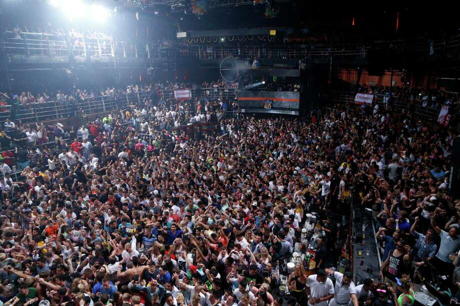 Photos of Spring Breakers in & around the USRapper Snoop Dog performs at a discotheque in the resort city of Cancun, Mexico, Thursday March 13, 2014. Snoop Dog offered a concert as part of the activities in this city for this year's spring break season. Although violence in some border cities has quelled, spring breakers remain hesitant to take any chances in Mexico this year. While more Americans are returning to popular destinations such as Mexico City, Cancun and Los Cabos, the border communities have yet to see significant rebounds. Photo: Israel Leal, AP / AP