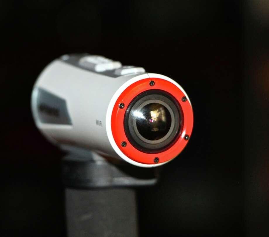 The lens of the Polaroid XS100i