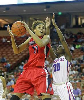 Manvel forward Brianna Turner (11) was named the Gatorade Player of the Year in Texas after leading Manvel to the Class 5A state championship. Photo: Michael Thomas, FRE / FR65778 AP