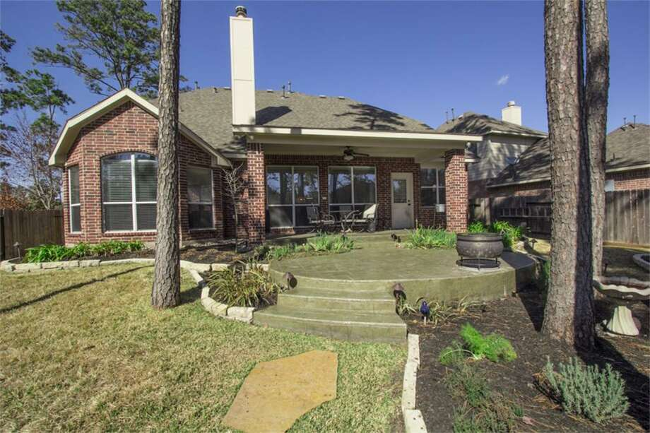 35 Frontera: This 2006 home has 5 bedrooms, 3.5 bathrooms, 2,899 square feet, and is listed for $398,000. Photo: Houston Association Of Realtors