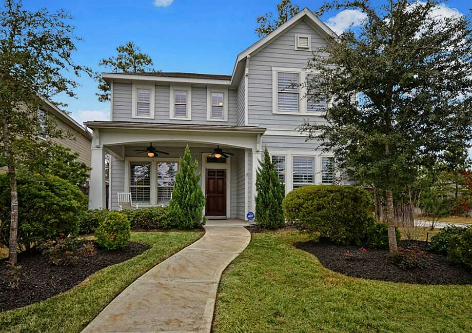 74 Montfair: This 2008 home has 3 bedrooms, 2.5 bathrooms, 2,288 square feet, and is listed for $275,000. Photo: Houston Association Of Realtors