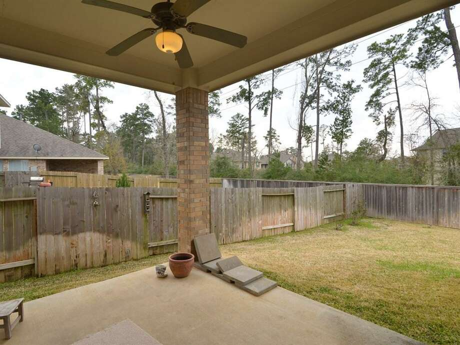 86 West Spindle Tree: This 2007 home has 4 bedrooms, 2 bathrooms, 1,866 square feet, and is listed for $249,900. Photo: Houston Association Of Realtors