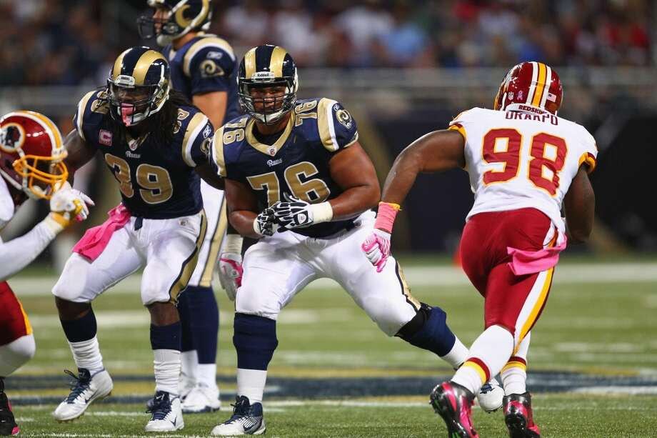 Keeping OG Roger Saffold in St. Louis was a coup for the Rams ... Photo: Dilip Vishwanat, Getty Images