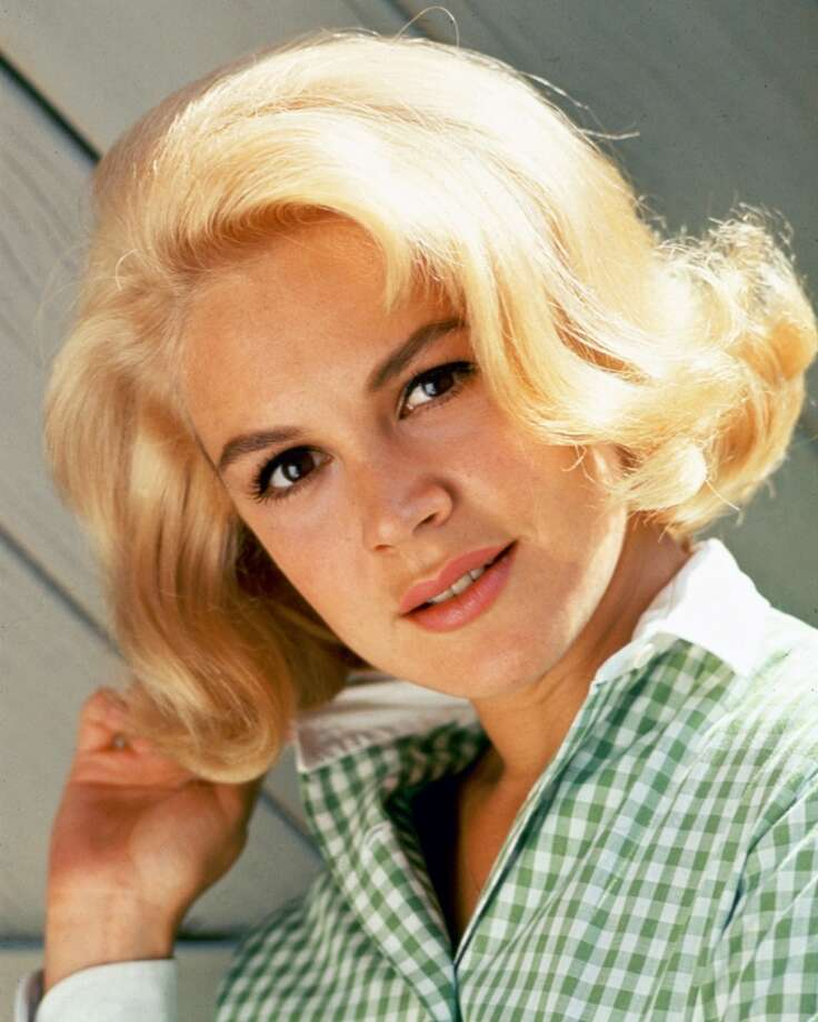 Actress Sandra Dee (1942-2005) wearing a green gingham blouse, circa 1965. Photo: Silver Screen Collection, Getty Images