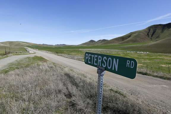 Peterson Road is seen in the the Sites Valley, the location of a proposed reservoir, near Maxwell, Calif, Wednesday March, 19, 2014.  In a show of bipartisanship, Democratic Rep. John Garamendi and Republican Rep. Doug LaMalfa  proposed legislation Wednesday, for a federal study of the costs of building the Sites Reservoir in the valley that is about an hour's drive north of Sacramento. (AP Photo/Rich Pedroncelli)