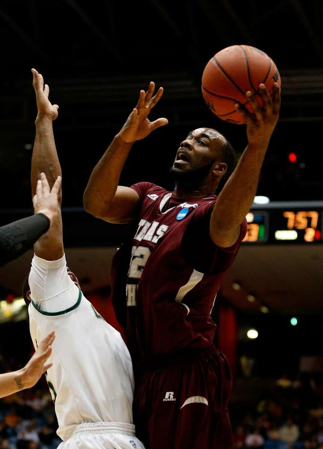 Aaron Clayborn #32 of Texas Southern goes to the basket against Cal Poly. Photo: Gregory Shamus, Getty Images