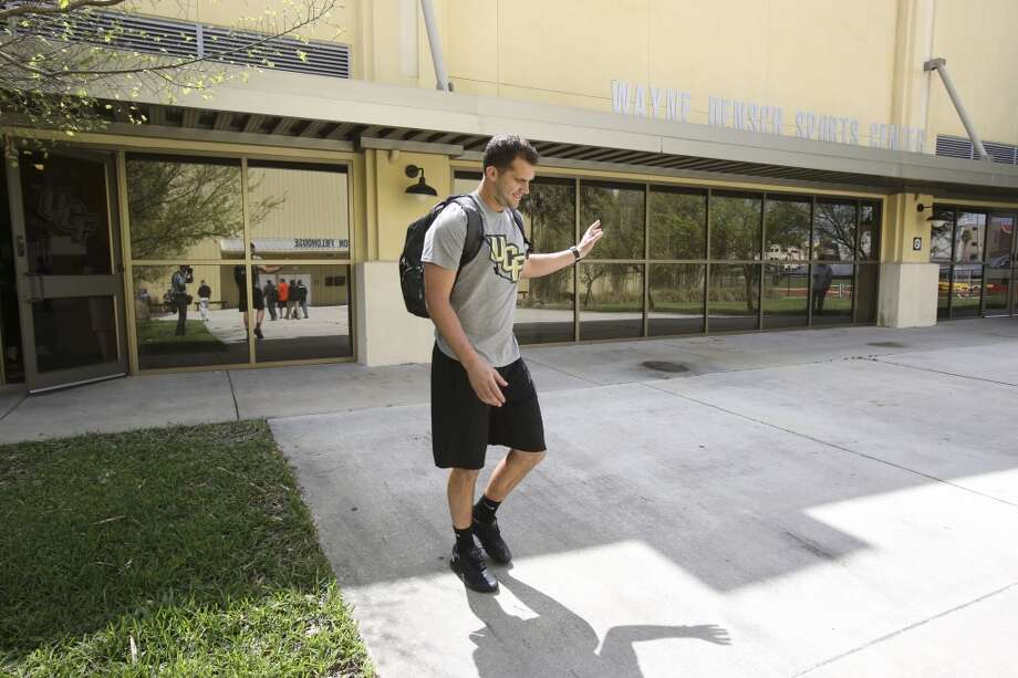 Blake Bortles walks to his pro-day workout at the Nicholson Field House at UCF in Orlando, Fla. Wednesday, March 19, 2014. (Gary W. Green/Orlando Sentinel) Photo: Orlando Sentinel