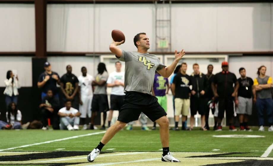 Blake Bortles throws during his pro-day workout at the Nicholson Field House at UCF in Orlando, Fla. Wednesday, March 19, 2014. (Gary W. Green/Orlando Sentinel) Photo: Orlando Sentinel