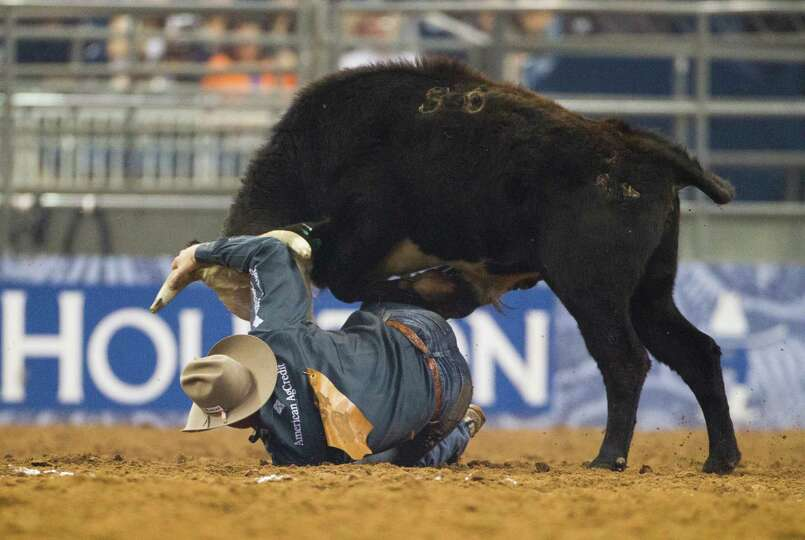 Dakota Eldridge competes in the BP Super Series Semifinal 1 Steer Wrestling competition during Houst