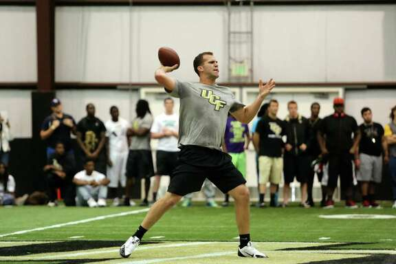 "Blake Bortles' pro day workout on the Central Florida campus in Orlando was rated ""a 10"" by ESPN analyst Ron Jaworski."