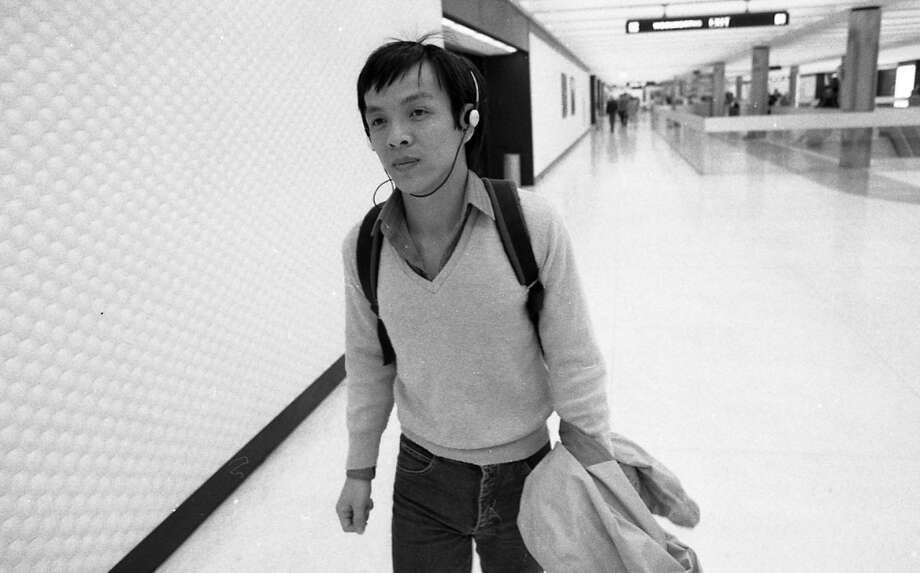 At the Embarcadero BART station in 1982. The Chronicle reported Walkman thefts, similar to iPhones in 2014. Photo: Gary Fong, The Chronicle