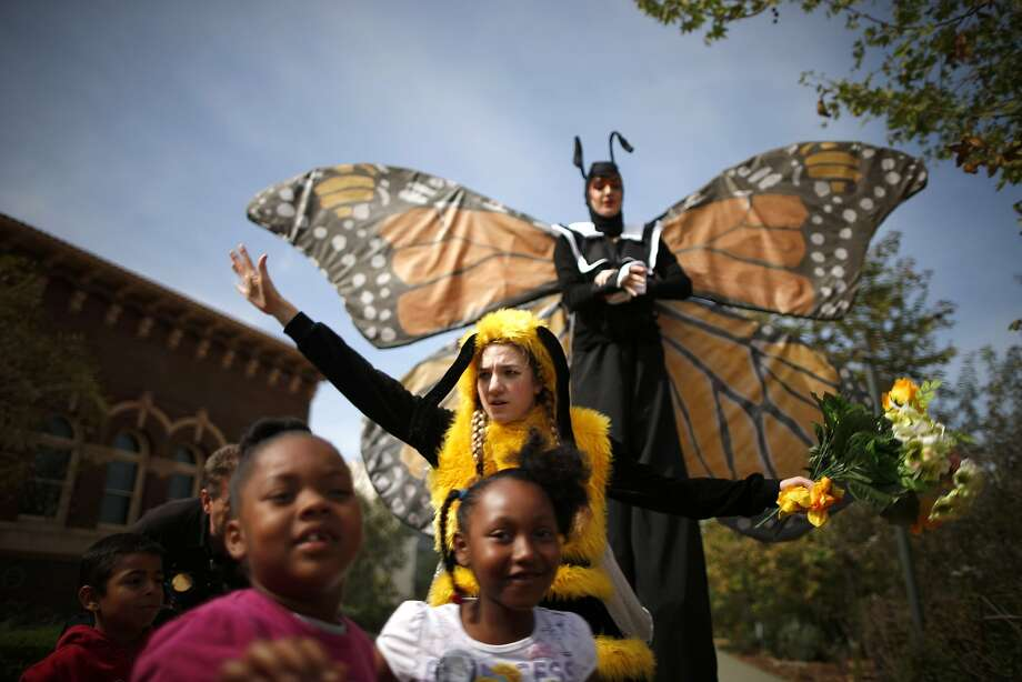 Children play in the Pollinator Garden at the Natural History Museum in Los Angeles, California March 20, 2014. Spring officially began on Thursday in the northern hemisphere, and is known as both the spring or vernal equinox. REUTERS/Lucy Nicholson (UNITED STATES - Tags: SOCIETY TRAVEL ENVIRONMENT) Photo: Lucy Nicholson, Reuters