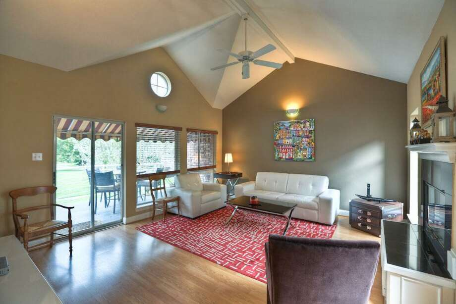 6314 Taggart: This 1992 home has 3 bedrooms, 2.5 bathrooms, and 2,471 square feet. Listed for $549,000. Open house: 3/23/2014, 2 p.m. to 4 p.m. Photo: Houston Association Of Realtors