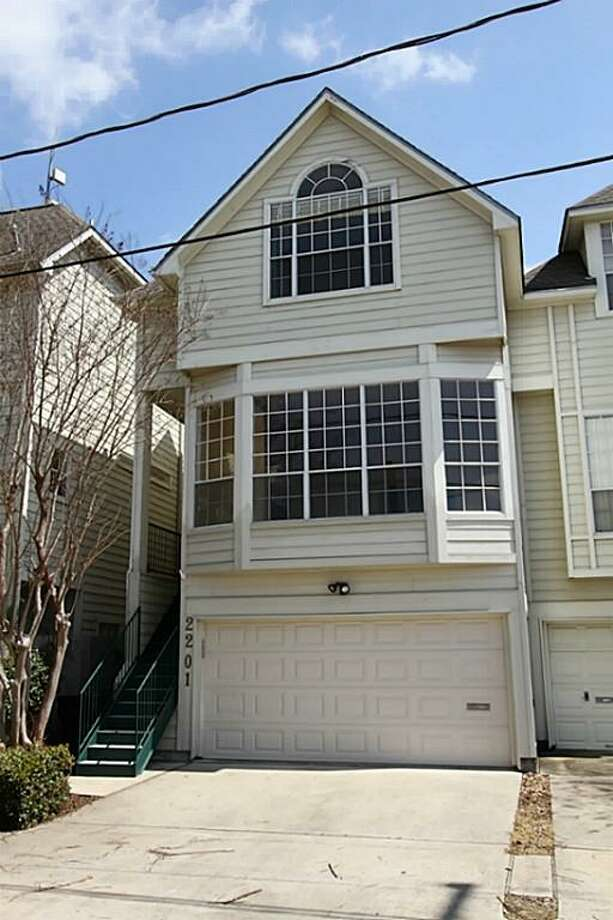 2201 Crocker: This 2000 home has 3 bedrooms, 2.5 bathrooms, and 2,789 square feet. Listed for $499,000. Open house: 3/23/2014, 1 p.m. to 3 p.m. Photo: Houston Association Of Realtors