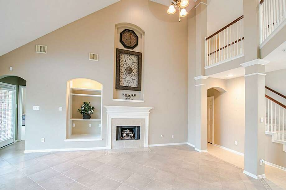 12220 South Shadow Cove: This 2001 home has 4 bedrooms, 3.5 bathrooms, and 3,318 square feet. Listed for $298,000. Open house: 3/23/2014, 2 p.m. to 4 p.m. Photo: Houston Association Of Realtors