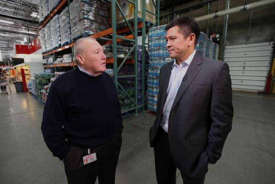 6. Craig Jelinek (left) Company: Costco Wholesale  Approval rating: 95% Photo: CNBC