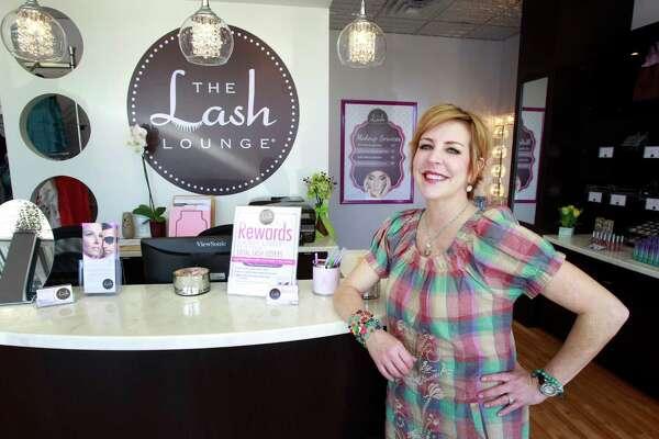 f8884e2f595 The Lash Lounge caught her eye - HoustonChronicle.com