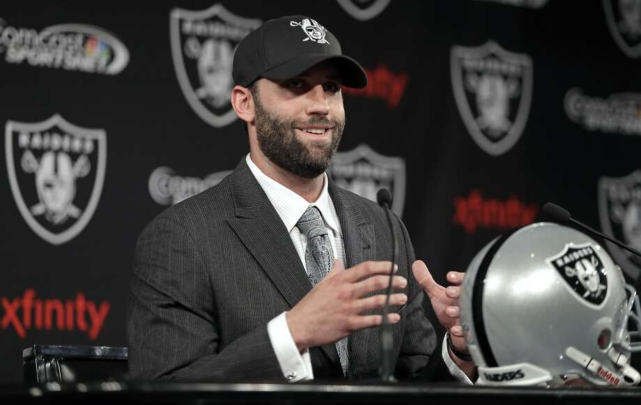 Not everyone thinks Matt Schaub will fix the Raiders' problems at quarterback. I meannn ... Photo: Ben Margot, Associated Press