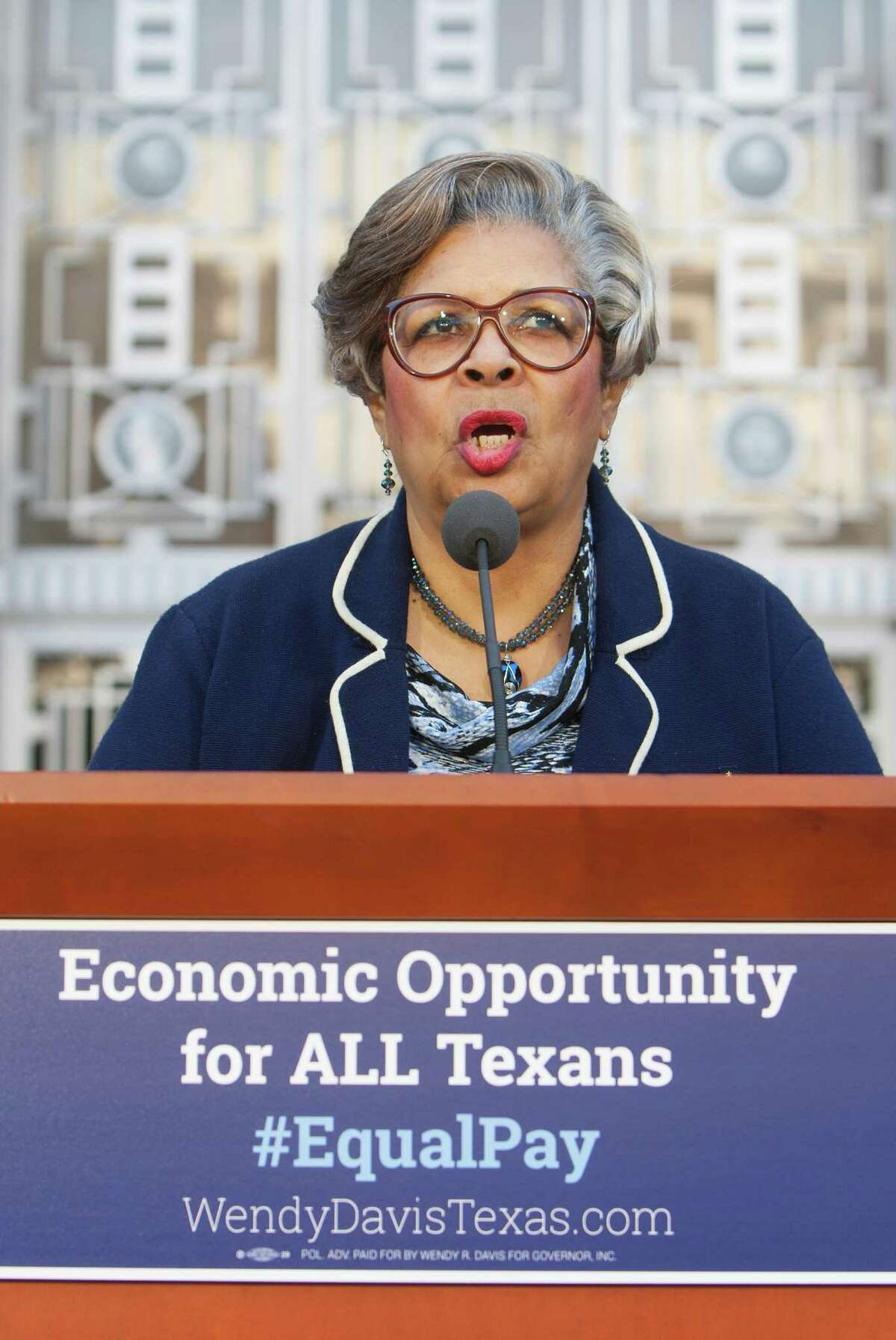 State Rep. Senfronia Thompson was the lead author of the Texas Pay Equal Act, which Sen. Wendy Davis sponsored in the Senate.