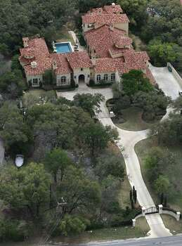 That figure rung up at the home of John L. Battles earned him the No. 5 position on the list of SAWS' top water uses. / © 2012 San Antonio Express-News