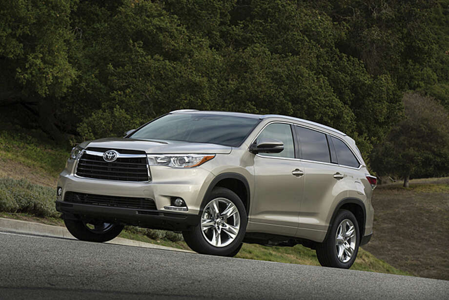 2014 Toyota Highlander (photo courtesy Toyota) / 2012 David Dewhurst Photography