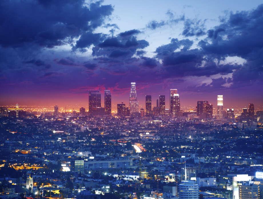 Los   Angeles-Long Beach-Santa Ana. Average work week: 34.5 hours.  Photo: Narvikk, Getty Images / Vetta