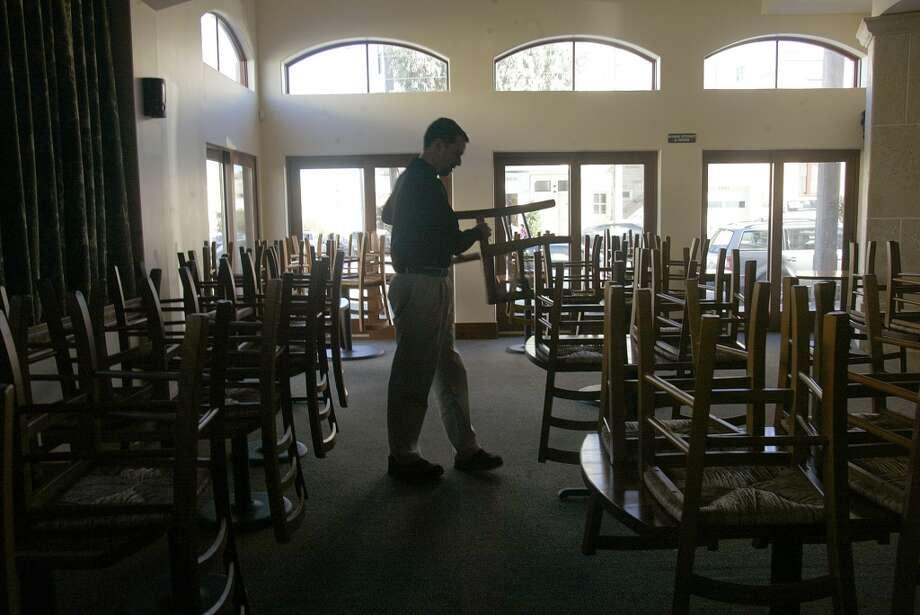 Mark Pastore, owner of Incanto, working in the restaurant.    Shot on 1/21/04 in San Photo: Liz Hafalia, SFC