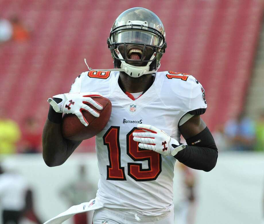 Tampa's Mike Williams claims his brother stabbed him in the thigh accidentally. Police aren't so sure. Photo: Al Messerschmidt / Getty Images / 2013 Getty Images