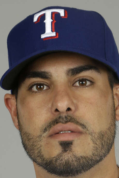 Rangers catcher Geovany Soto will miss up to 12 weeks. / MLBPV AP