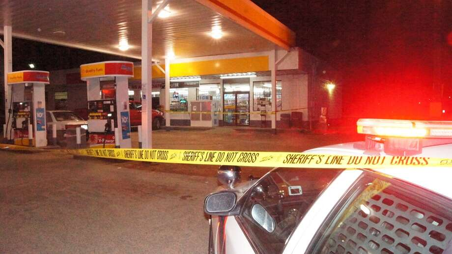 A worker was killed during a robbery at this Shell gas station in Montgomery County. Photo: Montgomery County Police Reporter