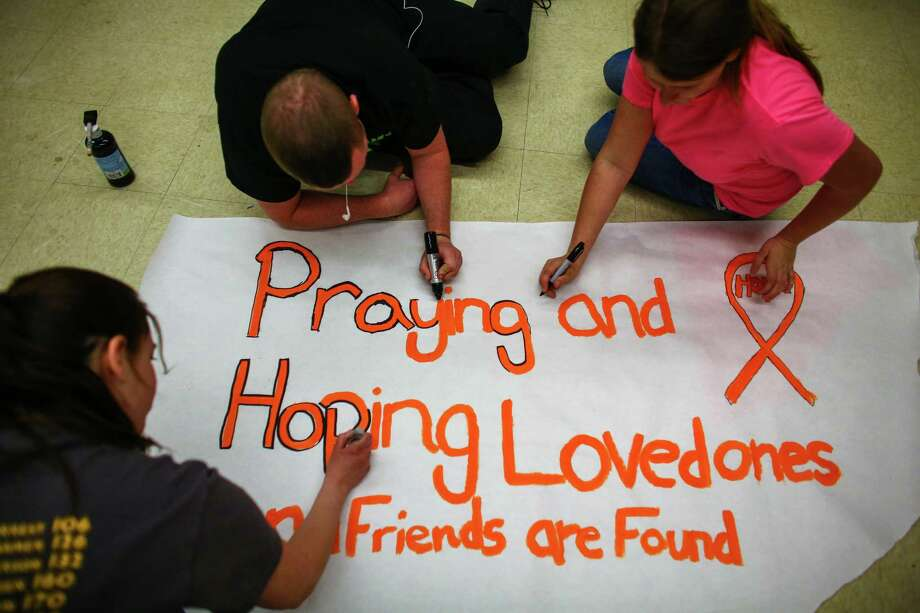 Darrington High School students make posters to hang around town. Photo: JOSHUA TRUJILLO, SEATTLEPI.COM / SEATTLEPI.COM
