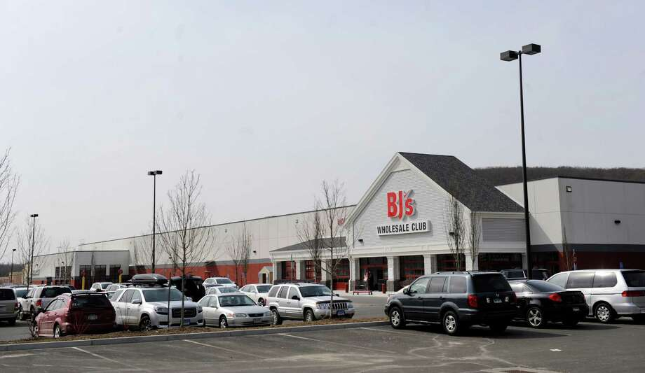 BJ's Wholesale Club, 106 Federal Road, Brookfield, Conn. Tuesday, March 25, 2014. Photo: Carol Kaliff / The News-Times