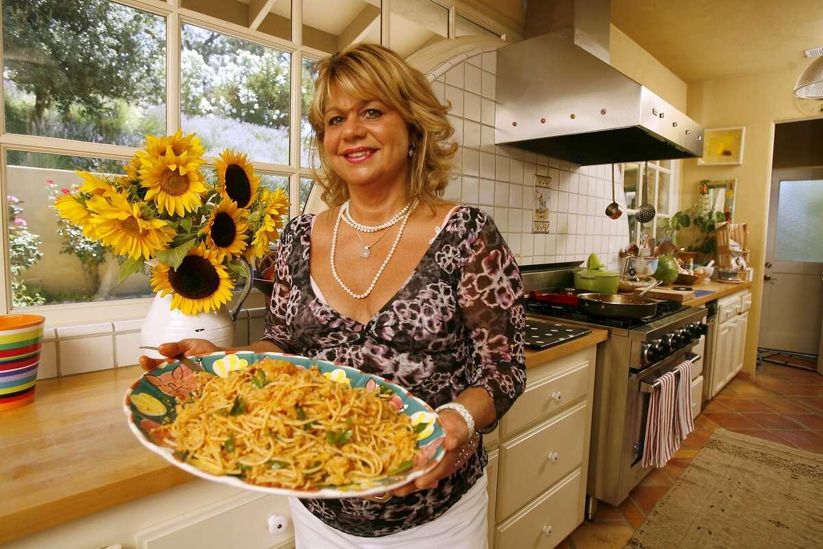 Donna Scala in 2006, when she prepared one of her favorite recipes, Pasta alla Gianni.