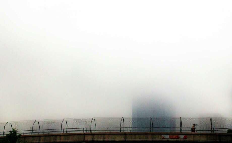 The footbridge over Allen Parkway. Photo: Cody Duty, Staff / © 2013 Houston Chronicle