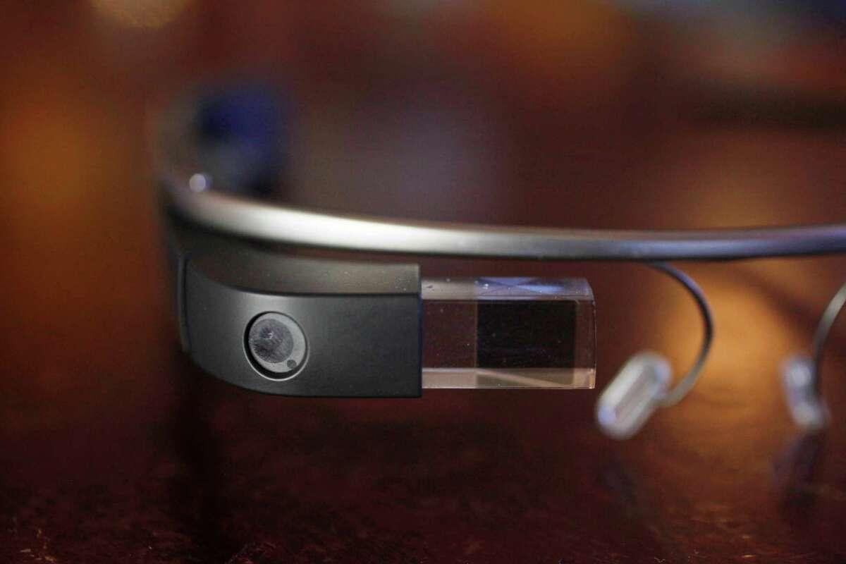 Google Glass detractors deride it as the perfect symbol of San Francisco class conflict.