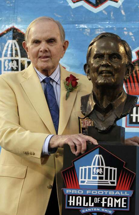 Buffalo Bills owner Ralph Wilson was inducted into the Pro Football Hall of Fame in 2009 in Canton, Ohio. Photo: Tony Dejak / Associated Press / AP