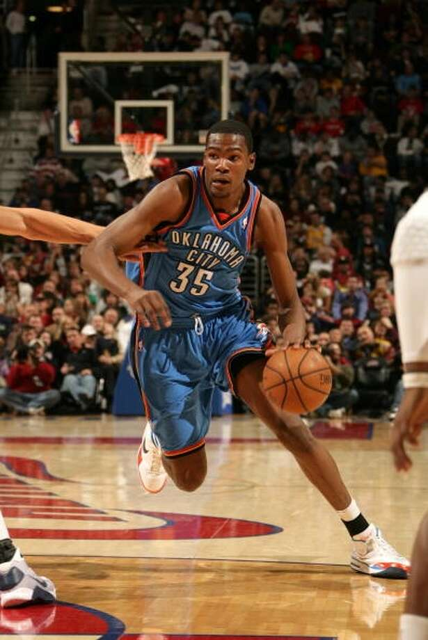 Oklahoma City Thunder  Longest losing streak: 14 games (twice)  From Nov. 5, 2008 to Nov. 28, 2008; From Dec. 31, 2007 to Jan. 27, 2008  (franchise was based in Seattle during this time) Photo: David Liam Kyle, NBAE Via Getty Images