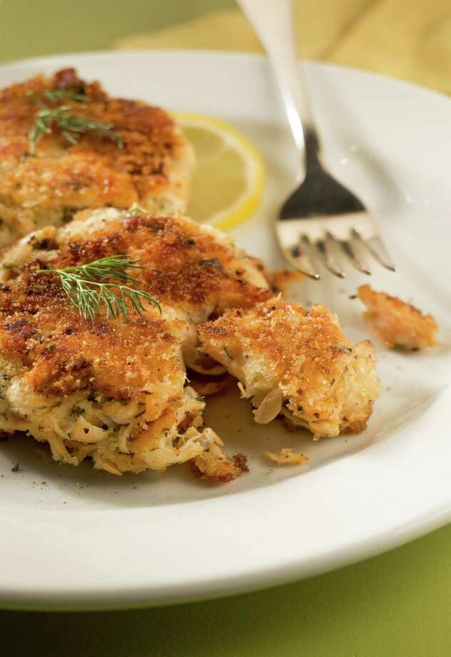A spring dish can include these salmon cakes. (Bill Hogan/Chicago Tribune/MCT) ORG XMIT: 1150316 Photo: Bill Hogan / Chicago Tribune