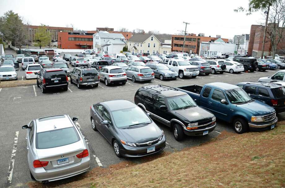 The Locust Avenue parking lot expansion project was deferred to the 2016-17 fiscal year. The main reason the Board of Finance decided to delay the $3.3 million project is so the construction doesnít conflict with the Town Hall renovation. Photo: Nelson Oliveira / New Canaan News