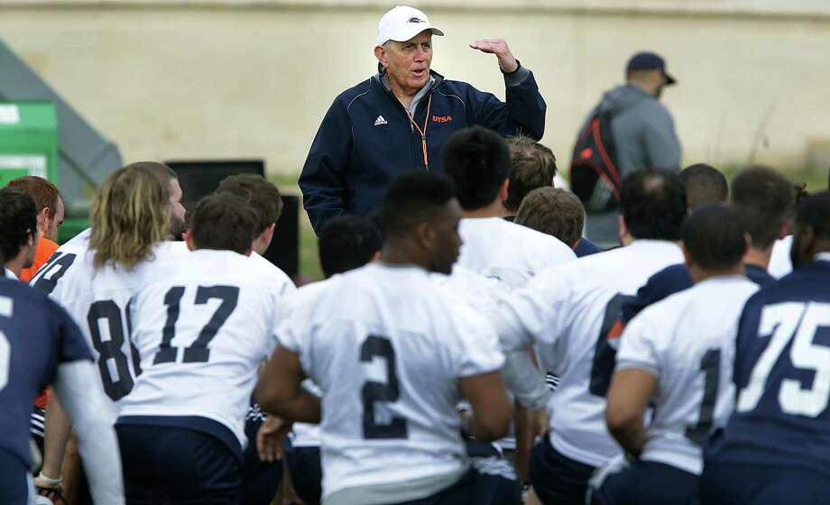 UTSA Coach Larry Coker talks to his team following a football practice, Wednesday, March 26, 2014. Photo: BOB OWEN, San Antonio Express-News / © 2012 San Antonio Express-News