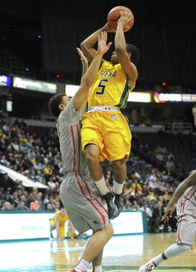 Siena's Evan Hymes goes to the basket during their men's basketball semifinals of the College Basket