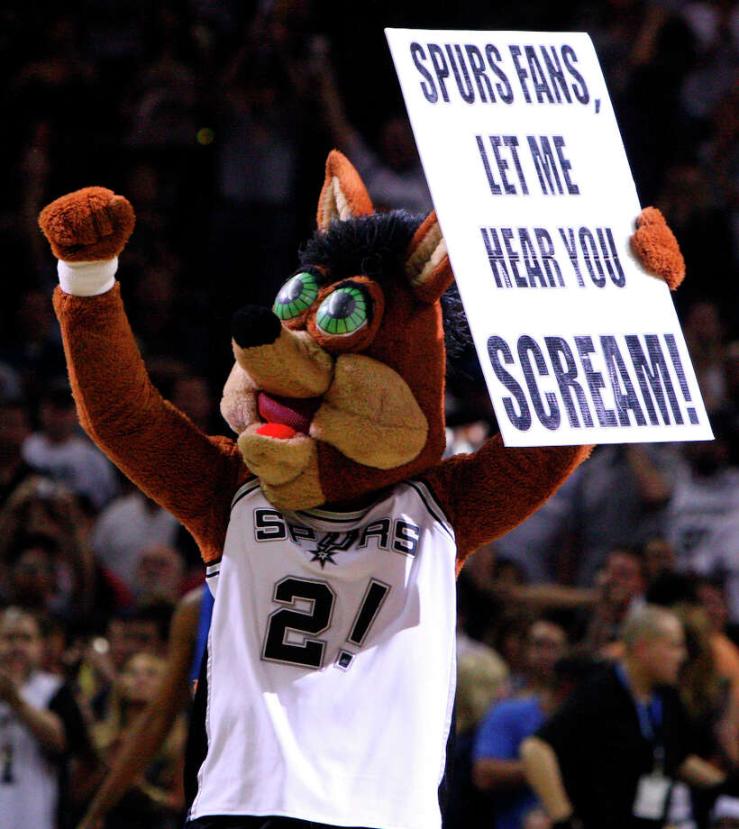 The Spurs' Coyote has been working San Antonio crowds since 1983, according to NBA.com. Photo: EDWARD A. ORNELAS, SAN ANTONIO EXPRESS-NEWS / © 2010 SAN ANTONIO EXPRESS-NEWS