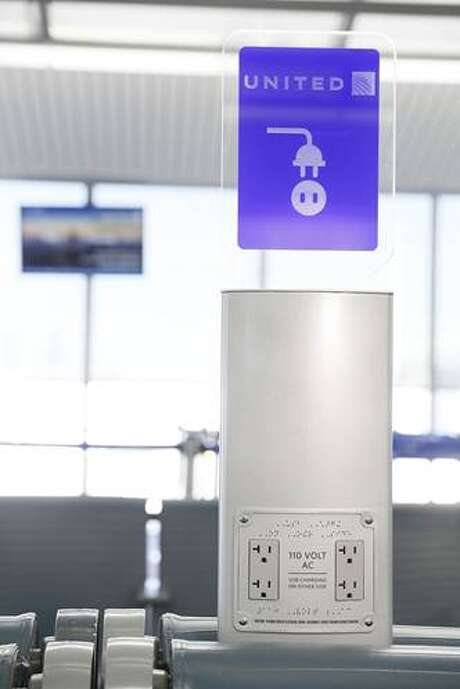 United Airlines will install electronic charging stations at hubs it serves around the country, including Houston. Photo: United Airlines / ONLINE_YES