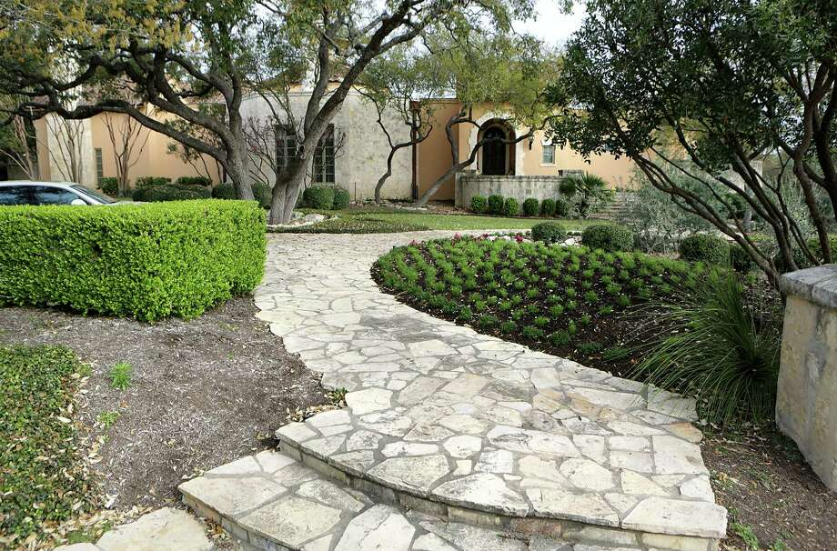 Readers express their dismay at the top water users in the county, which included the home of construction heiress Leslie Negley, according to an article in the San Antonio Express-News. Photo: Bob Owen / San Antonio Express-News / © 2012 San Antonio Express-News