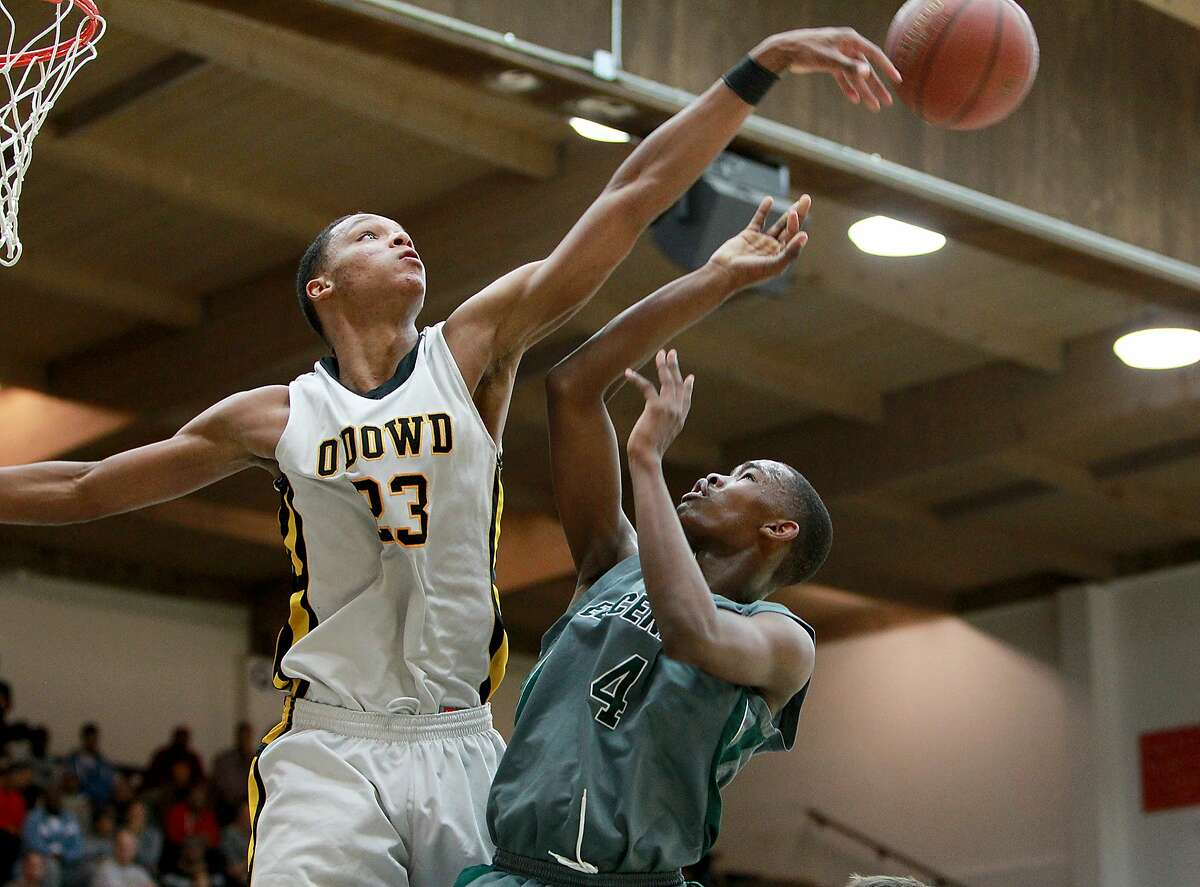 Ivan Rabb, a 6-foot-10 junior, leads Bishop O'Dowd-Oakland into Saturday's Open Division state championship game against unbeaten and three-time defending state champion Mater Dei-Santa Ana.