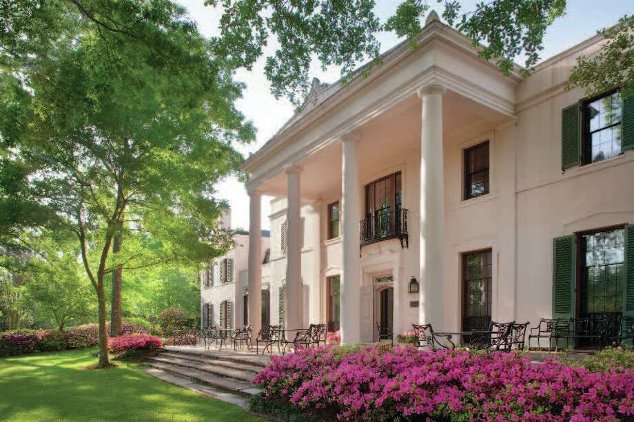 Fourteen acres of gardens surround the Bayou Bend mansion and museum in Houston. Photo: Rick Gardner, Bayou Bend Gardens